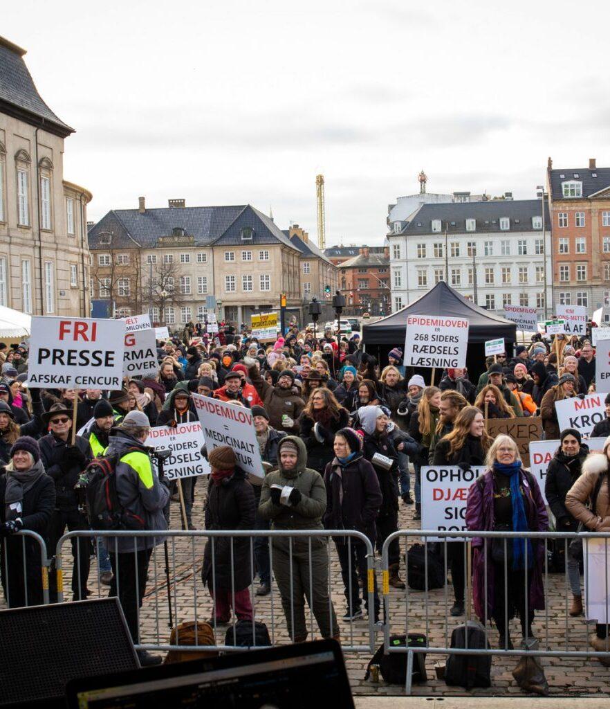 Folket demonstrerer